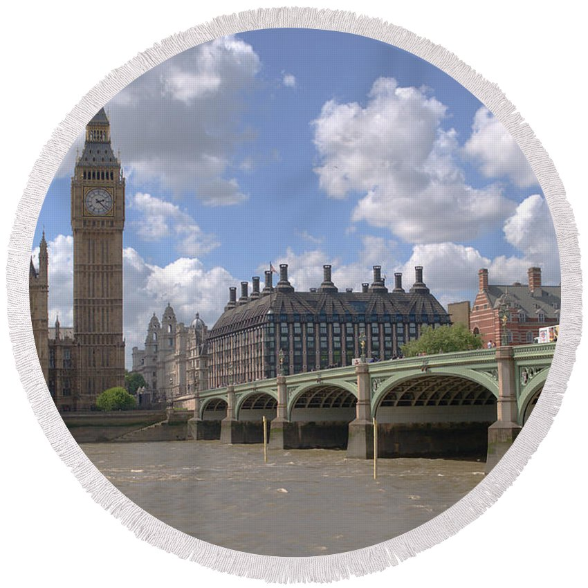 Big Ben Round Beach Towel featuring the photograph Westminster Bridge by Chris Day