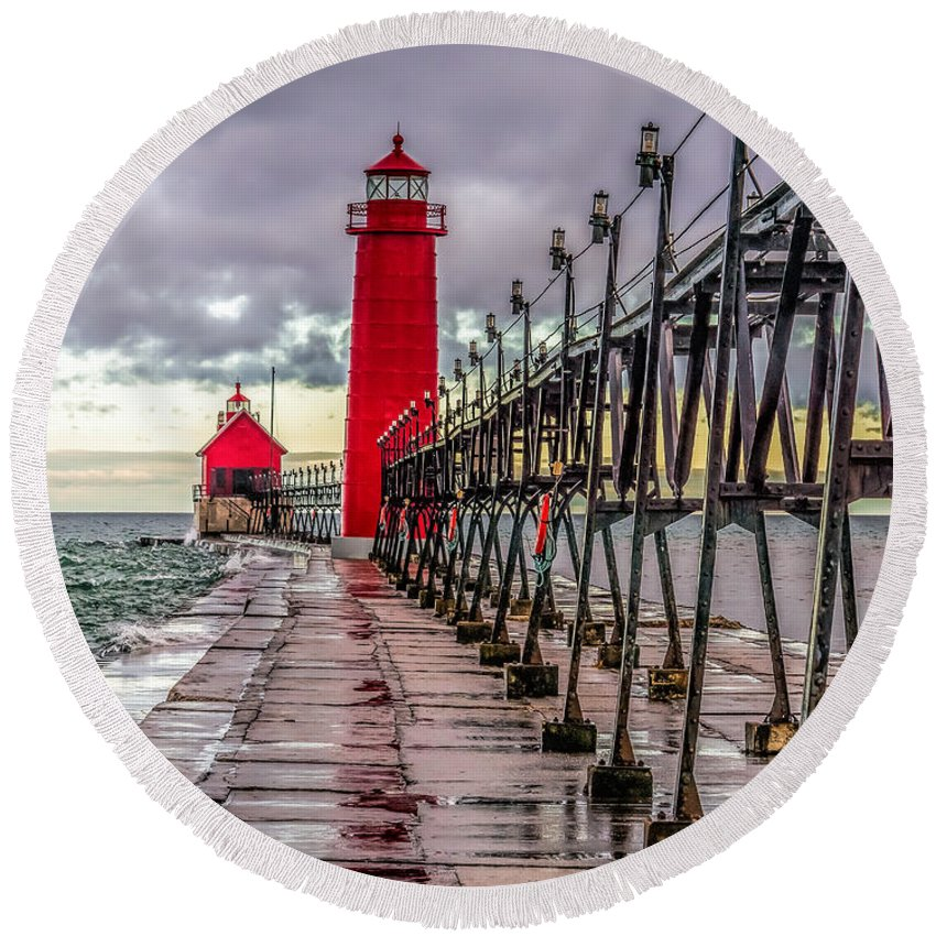 Great Lakes Round Beach Towel featuring the photograph Wet At Grand Haven by Nick Zelinsky