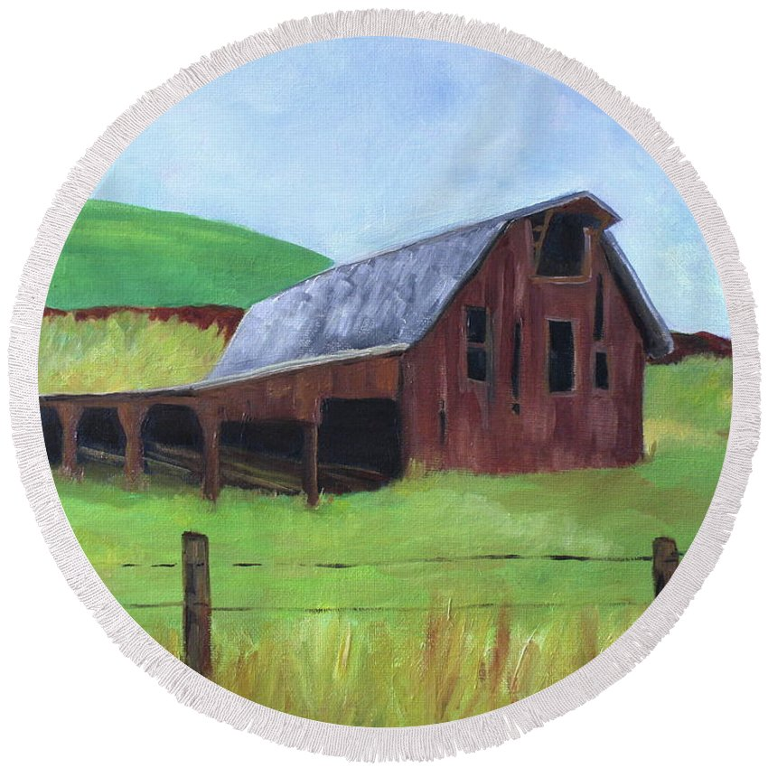 Barns Round Beach Towel featuring the painting Whelan Barn by Sarah Hamilton