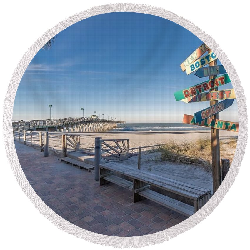Venice Round Beach Towel featuring the photograph Which Direction? by Joseph Toth
