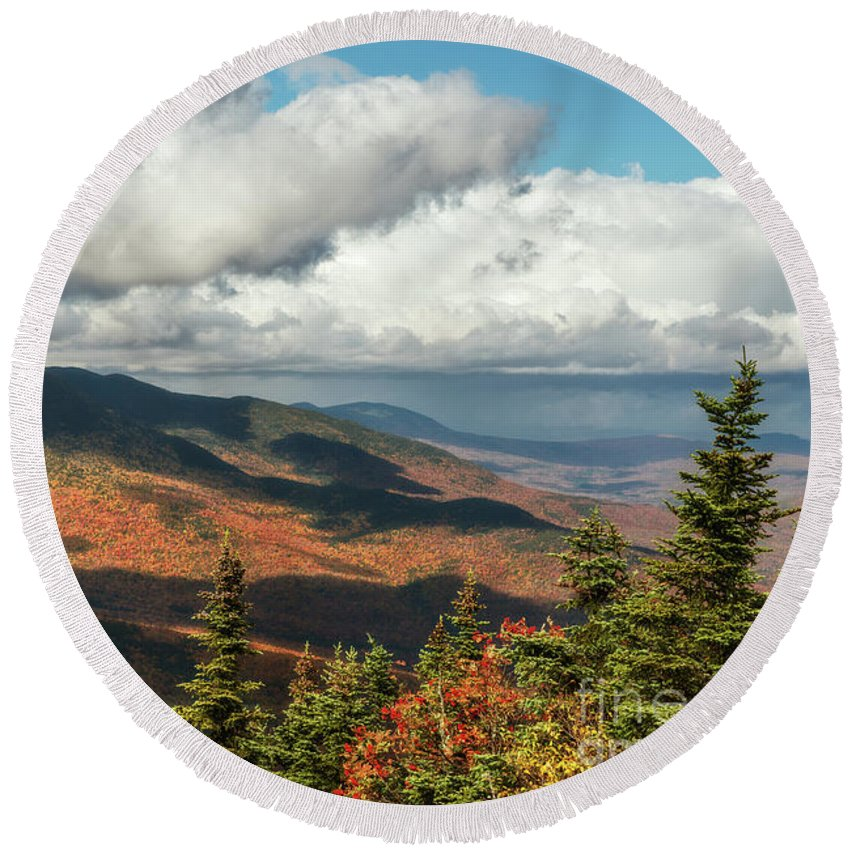 Wildcat Mt Round Beach Towel featuring the photograph White Mountain Foliage by Sharon Seaward
