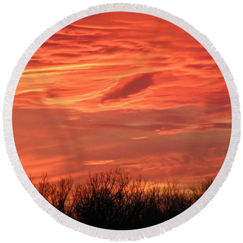 Sunset Round Beach Towel featuring the photograph Who Needs Jupiter by Gale Cochran-Smith