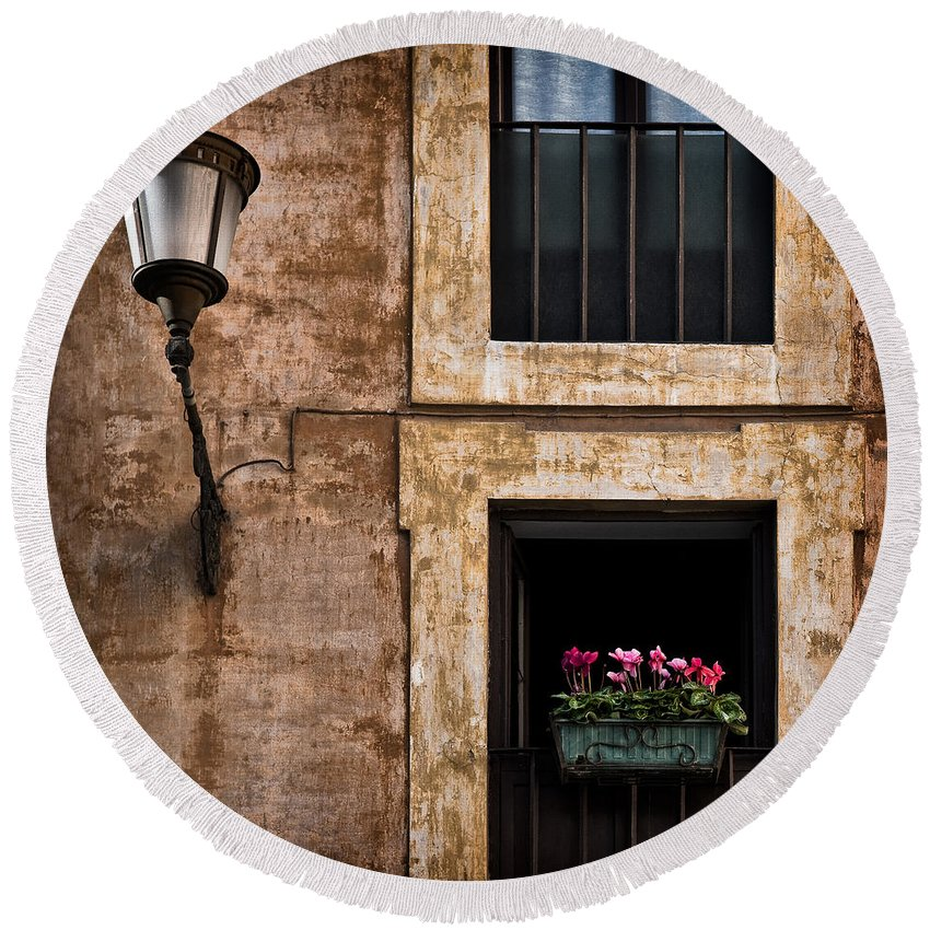 Window Box Round Beach Towel featuring the photograph Window Box by Dave Bowman