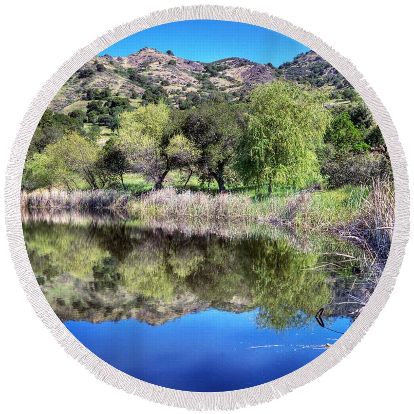 California Scenes. Landscapes Round Beach Towel featuring the photograph Winery Pond Reflections by Norman Andrus