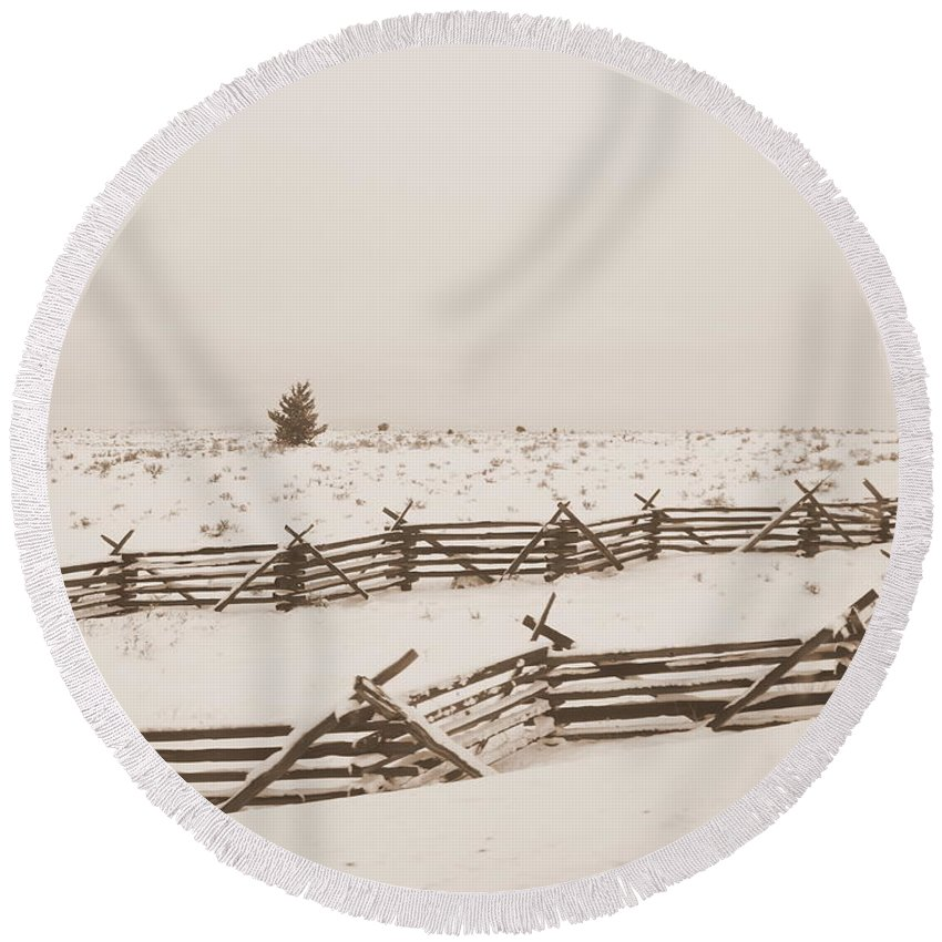 Fence Round Beach Towel featuring the photograph Winter Fence In Oregon by Carol Groenen