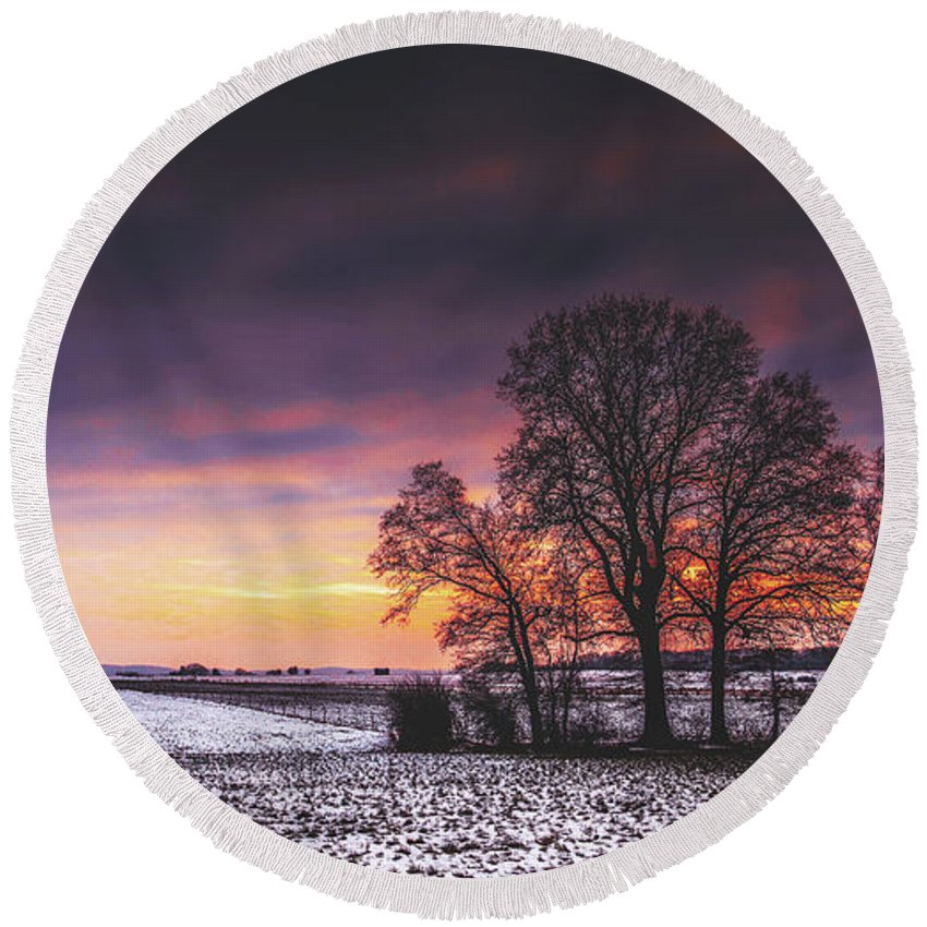 Sunset Round Beach Towel featuring the photograph Winter Fields by Pixabay