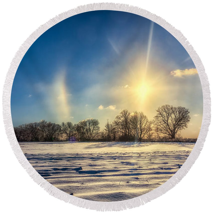 Atmosphere Round Beach Towel featuring the photograph Winter Morn In Minnesota by Rikk Flohr