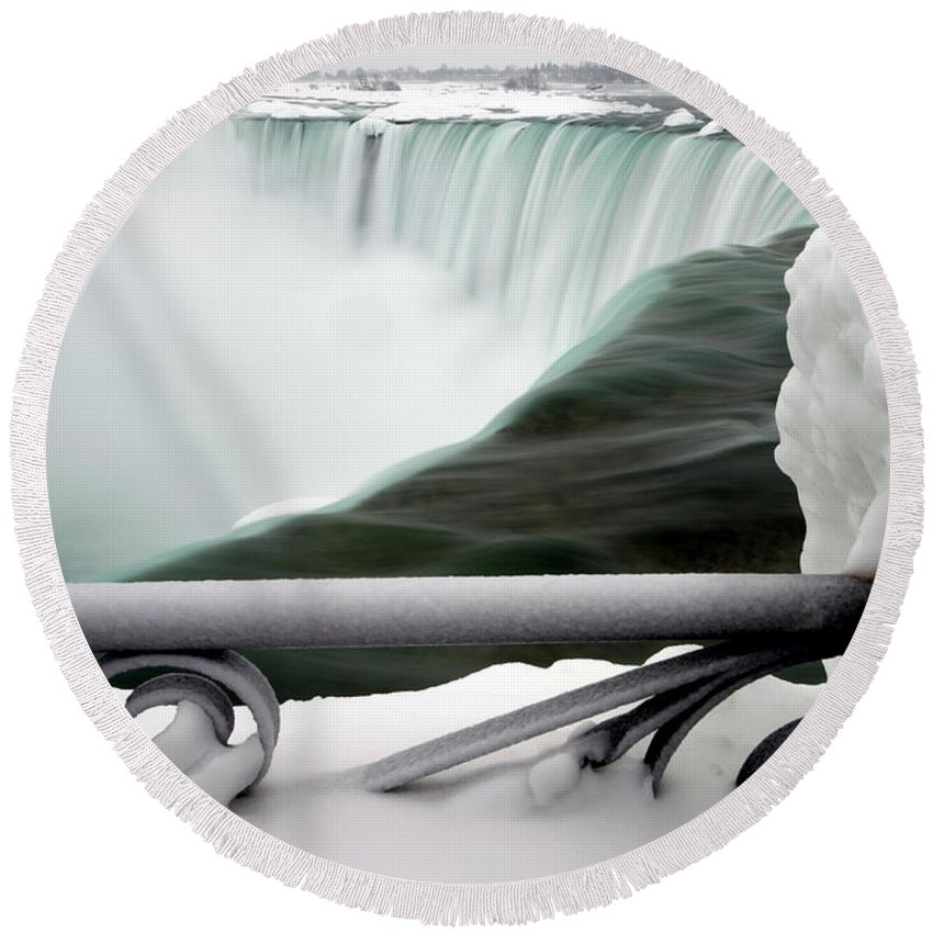 Scenic Round Beach Towel featuring the photograph Winter Niagara Falls by Mark Duffy