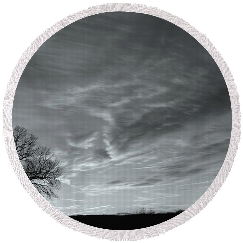 Black And White Landscape Round Beach Towel featuring the photograph Winter Solitude by Benanne Stiens