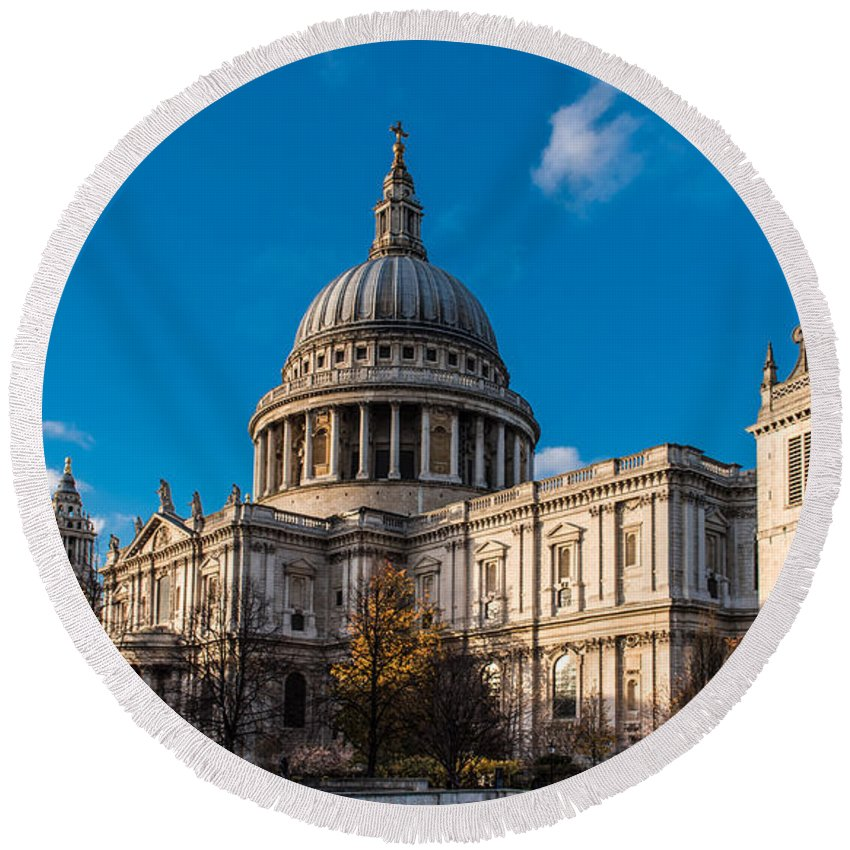 British Weather Round Beach Towel featuring the photograph Winter Sun St Paul's Cathedral by Gary Eason