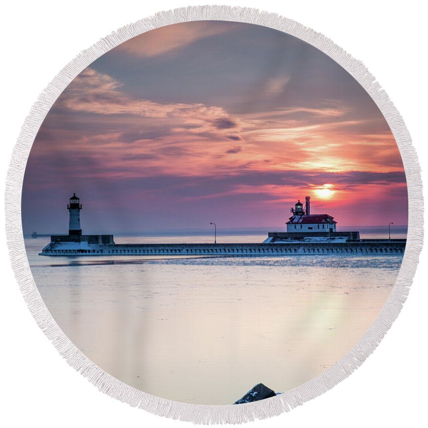 Winter Round Beach Towel featuring the photograph Winter Sunrise Over Canal Park Duluth Mn by Tom Hansen