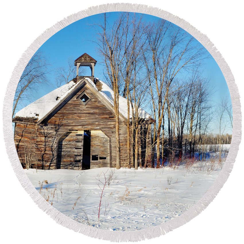 Amnicon Falls State Park Round Beach Towel featuring the photograph Winter Wisconsin Barn by Kyle Hanson