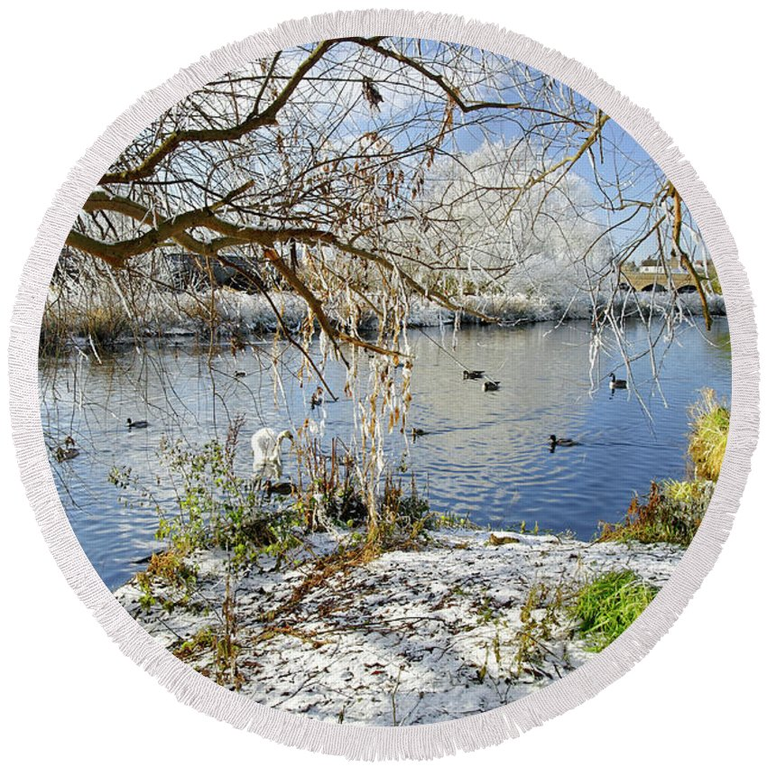 Europe Round Beach Towel featuring the photograph Wintry River At Newton Road Park by Rod Johnson