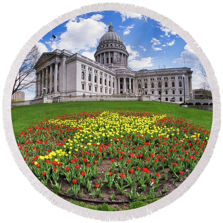 Wi Round Beach Towel featuring the photograph Wisconsin Capitol And Tulips by Steven Ralser