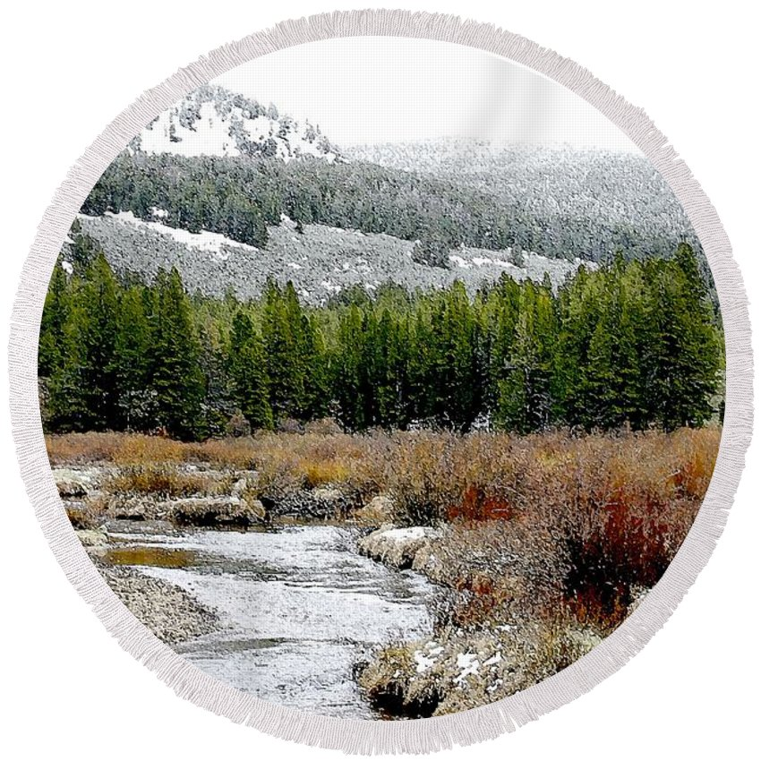 Montana Round Beach Towel featuring the photograph Wise River Montana by Nelson Strong