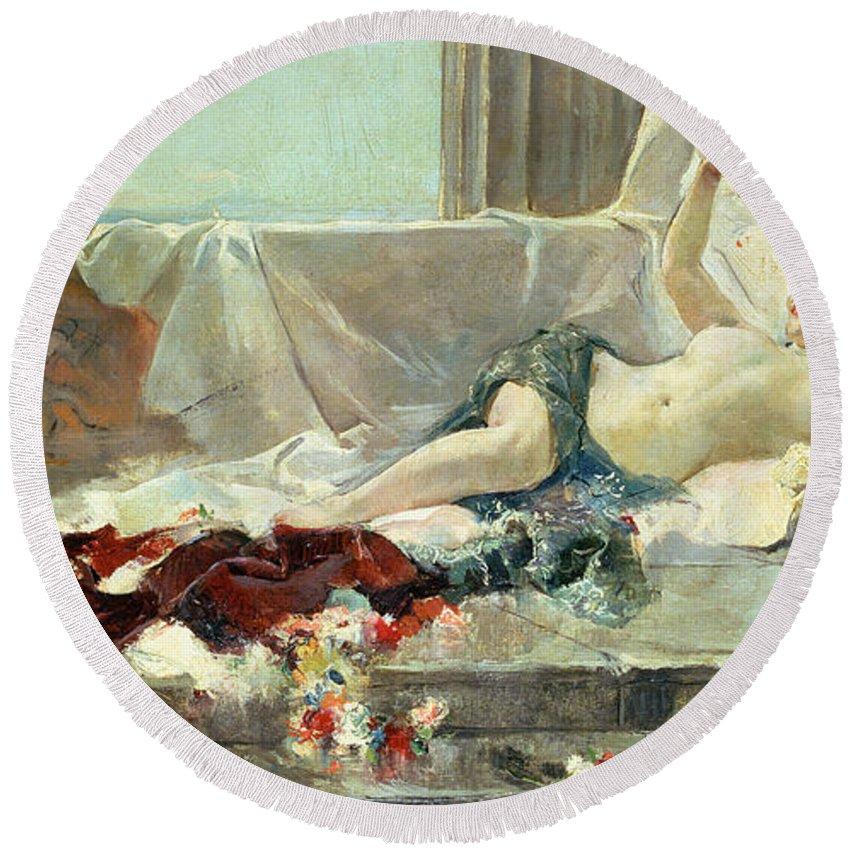 Bacchante (woman Undressed) 1887 (oil On Canvas) By Joaquin Sorolla Y Bastida (1863-1923) Round Beach Towel featuring the painting Woman Undressed by Joaquin Sorolla y Bastida
