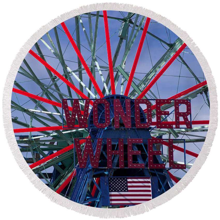 Prints Round Beach Towel featuring the photograph Wonder Wheel by Chris Baboolal