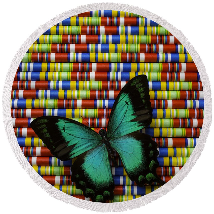 Single Round Beach Towel featuring the photograph Wonderful Green Butterfly by Garry Gay