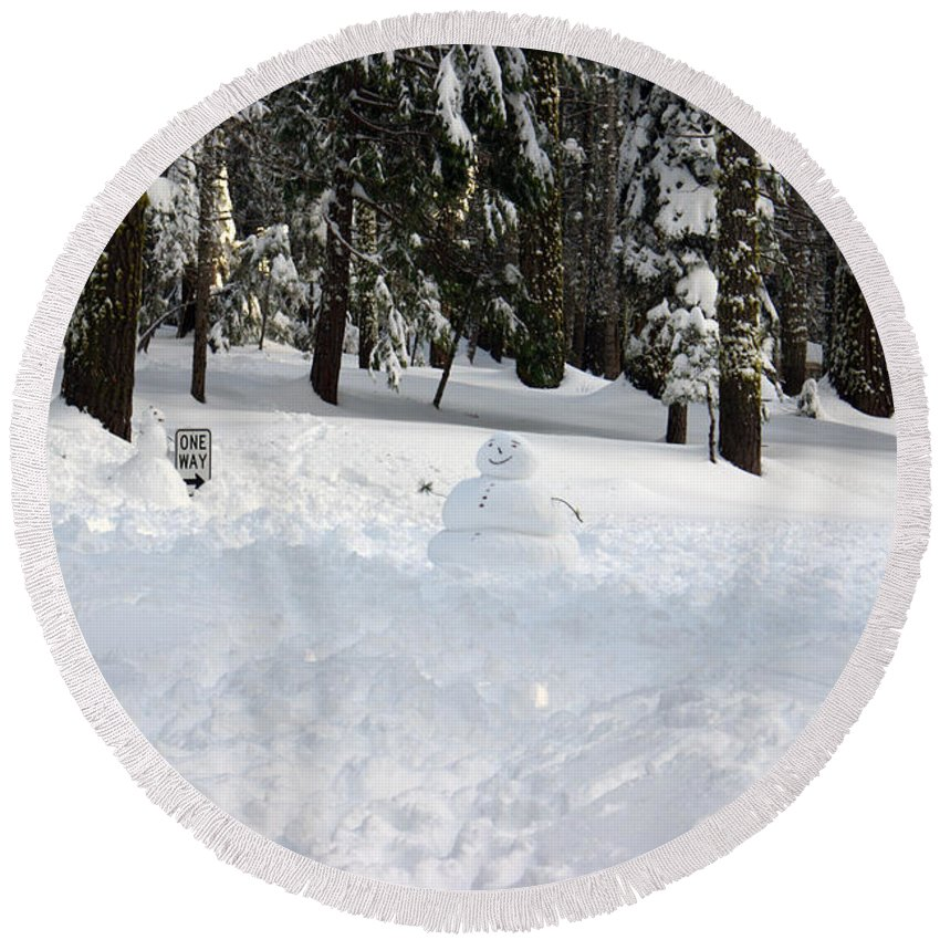 Snowman Round Beach Towel featuring the photograph Wrong Way Snowman by Christine Jepsen