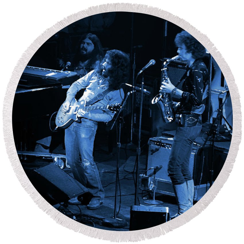 Classic Rock Round Beach Towel featuring the photograph Ww#7 Enhanced In Blue by Ben Upham