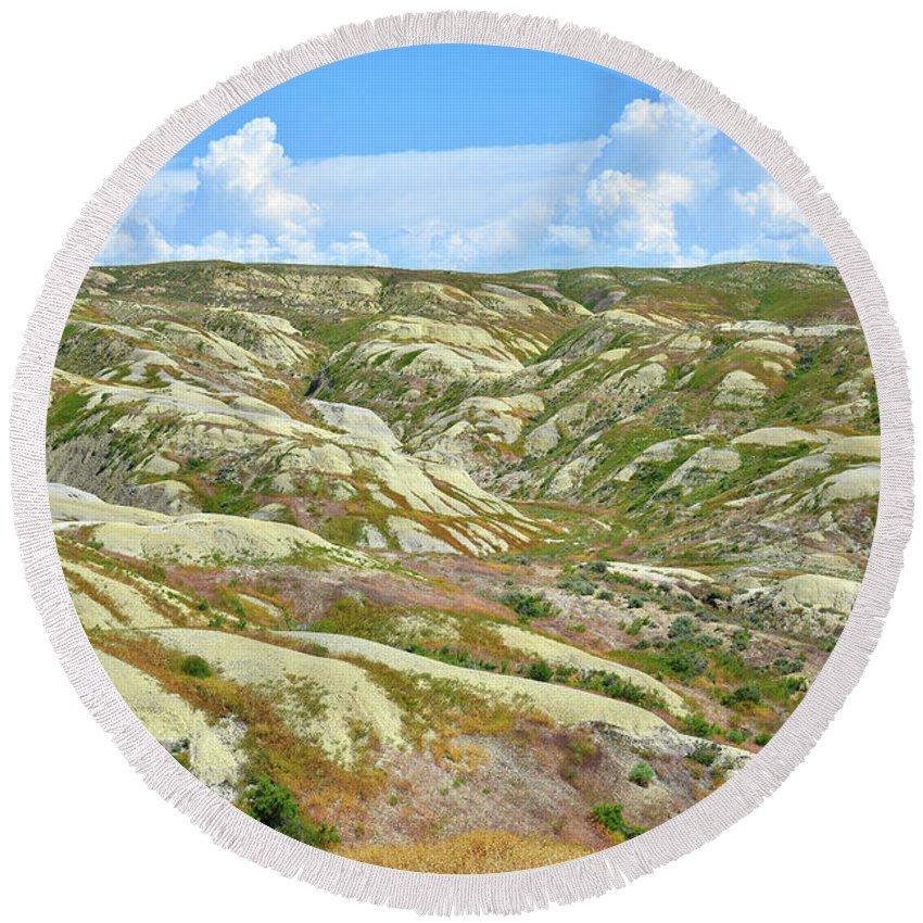 Badlands National Park Round Beach Towel featuring the photograph Wyoming Badlands by Ray Mathis