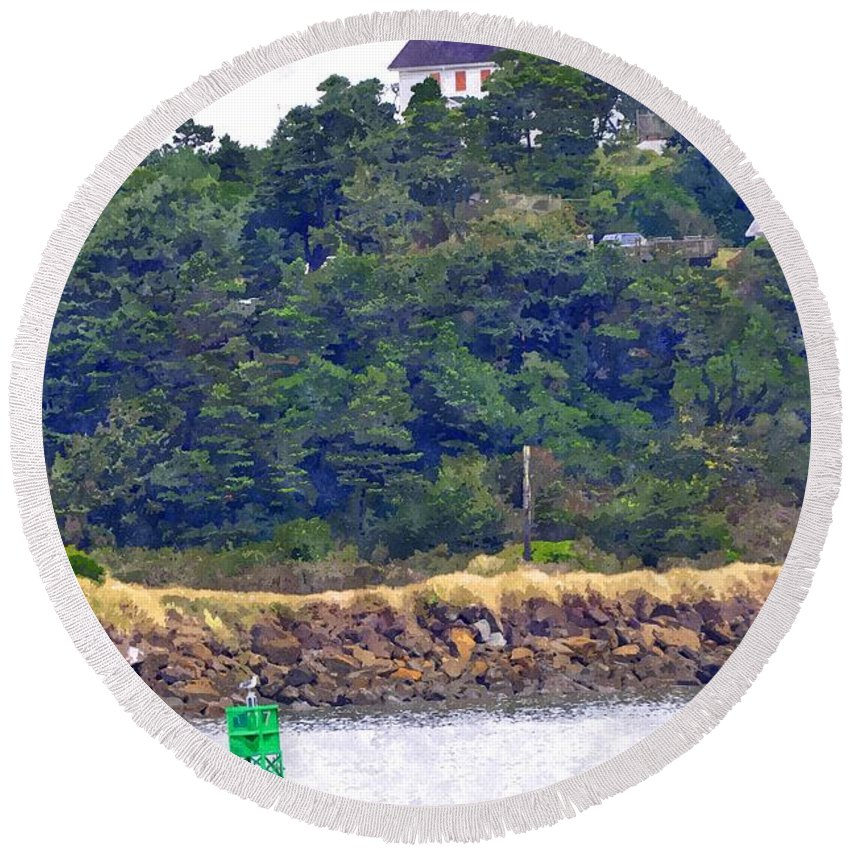 Newport Round Beach Towel featuring the photograph Yaquina Bay Lighthouse by Image Takers Photography LLC - Laura Morgan
