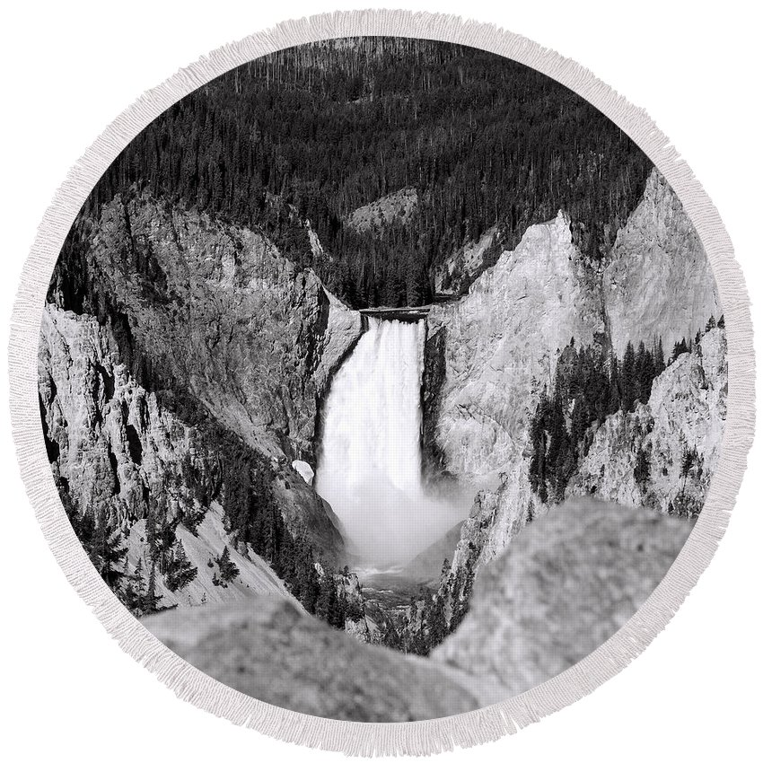 America Round Beach Towel featuring the photograph Yellowstone 142 by Ingrid Smith-Johnsen