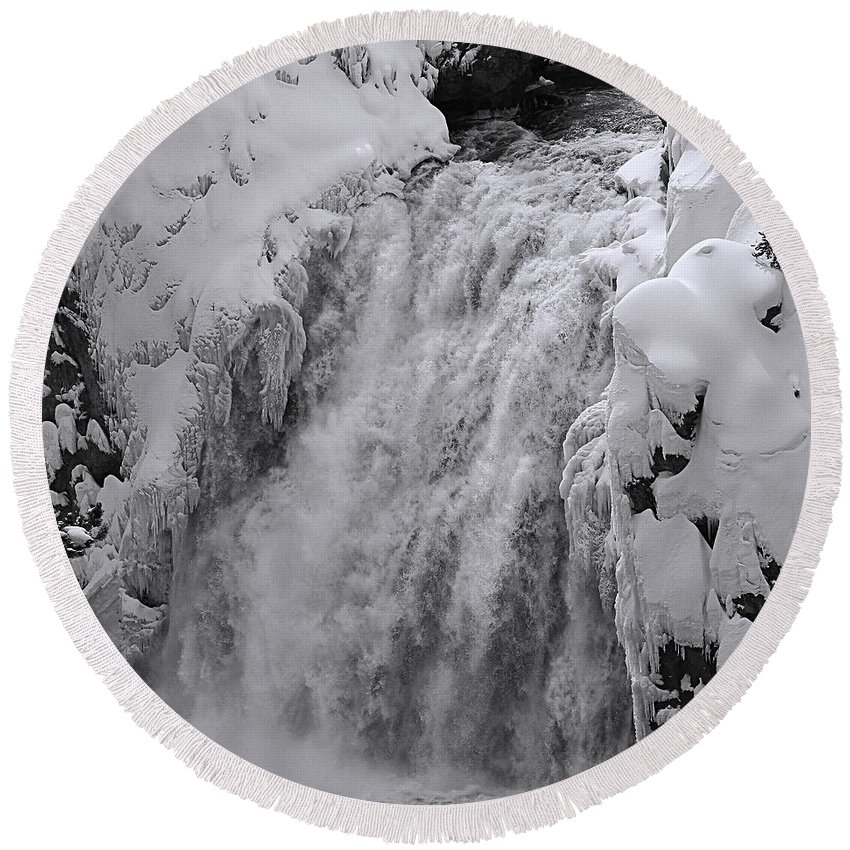 America Round Beach Towel featuring the photograph Yellowstone 43 by Ingrid Smith-Johnsen