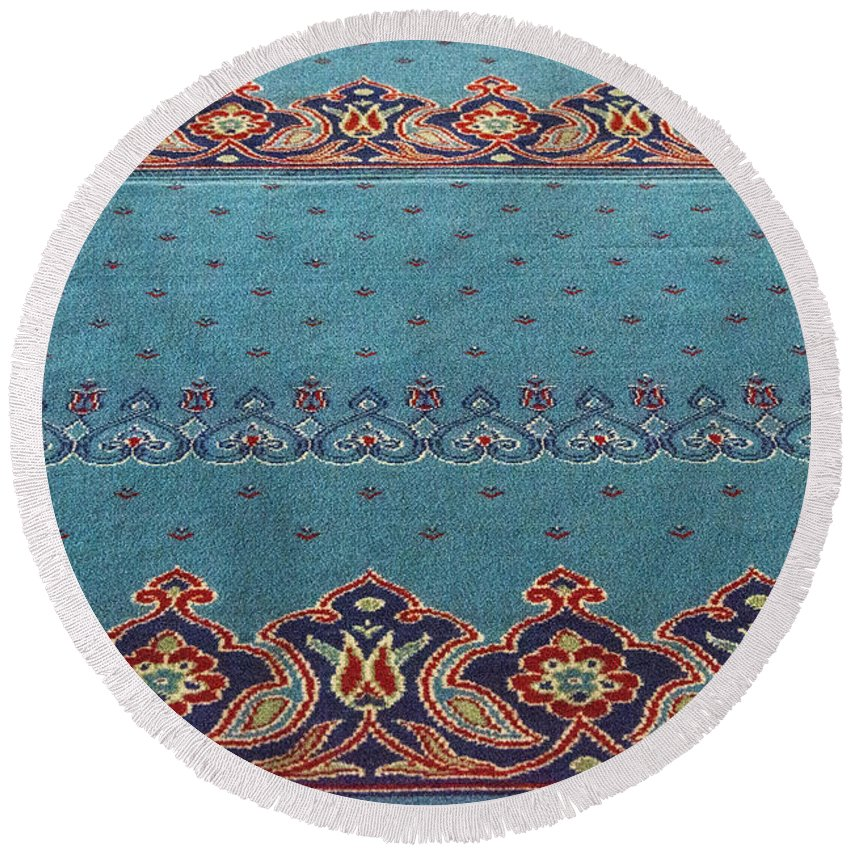 Yeni Mosque Istanbul Turkey New Mosque Mosques Place Places Of Worship Prayer Carpet Design Art Artwork Interior Odds And Ends Round Beach Towel featuring the photograph Yeni Mosque Prayer Carpet by Bob Phillips