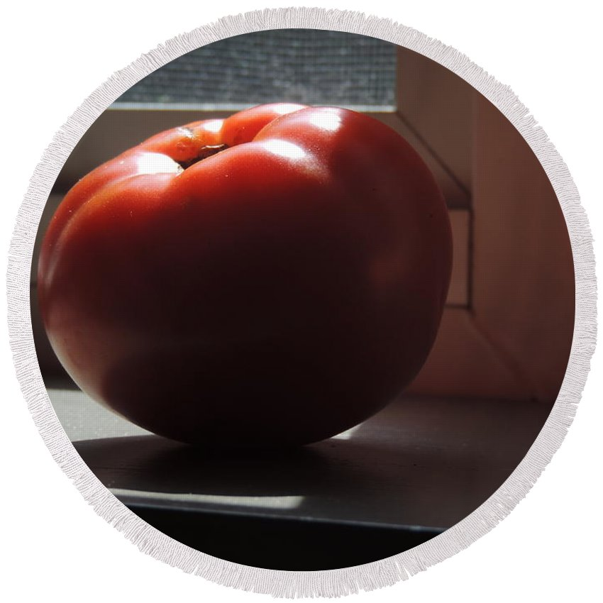 you Say Tomato... Round Beach Towel featuring the photograph You Say Tomato by Bill Tomsa