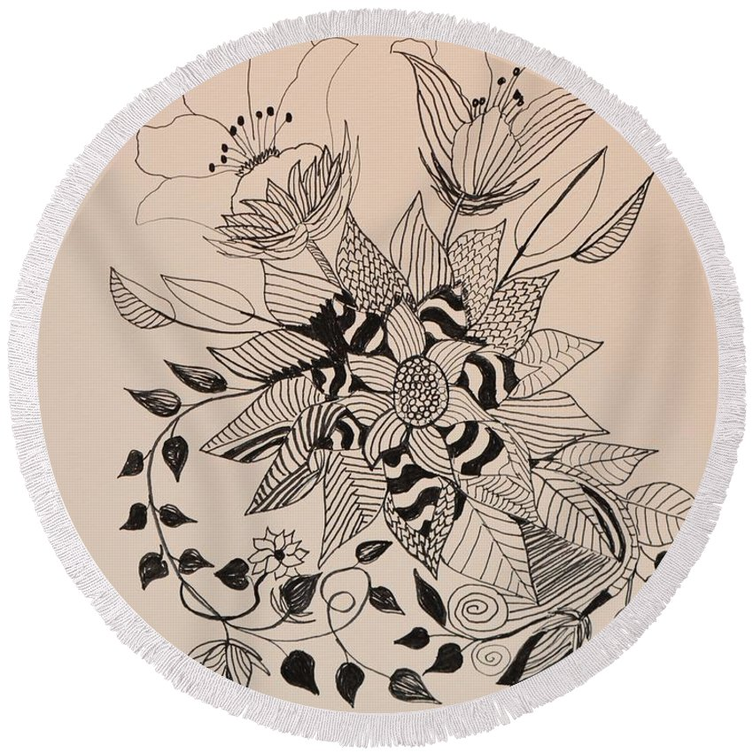 Zentangle 16-02 Round Beach Towel featuring the drawing Zentangle 16-02 by Maria Urso