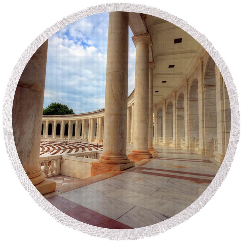 Craig Fildes Photography Round Beach Towel featuring the photograph Arlington National Cemetery Memorial Amphitheater by Craig Fildes