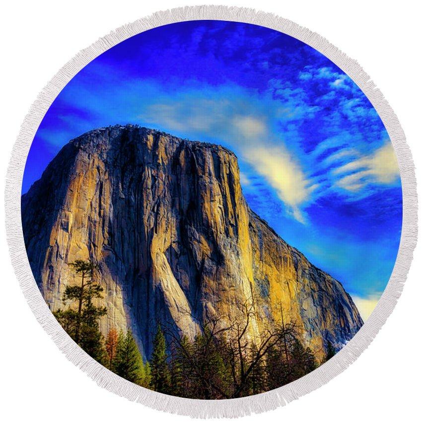 Beautiful El Capitan Round Beach Towel featuring the photograph Beautiful El Capitan by Garry Gay