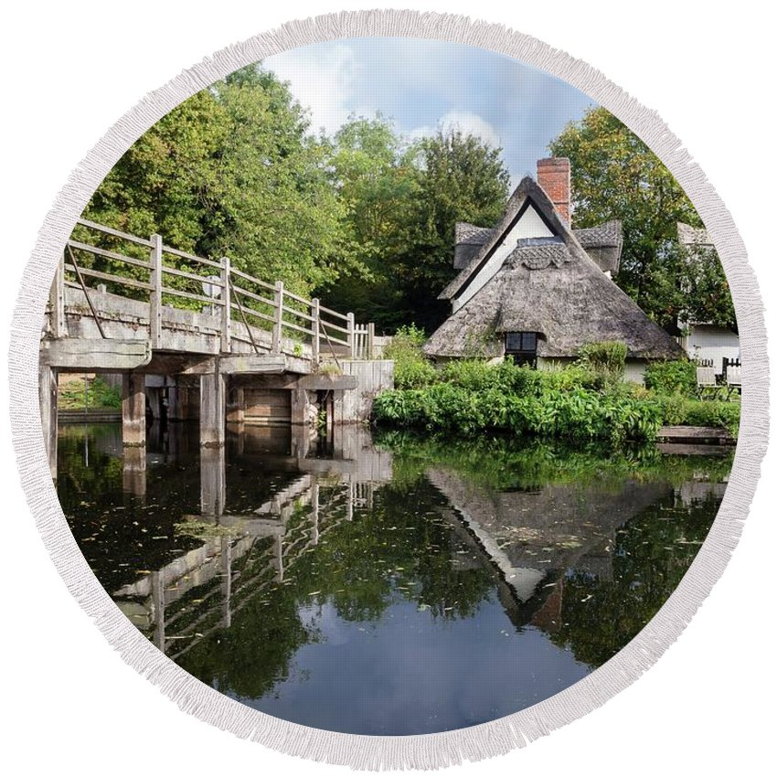 Area Of Outstanding Natural Beauty Round Beach Towel featuring the photograph Bridge Cottage, Flatford by James Lamb