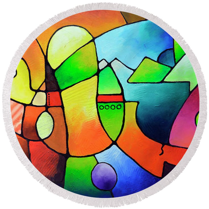 Geometric Painting Round Beach Towel featuring the painting Clarity Of Focus by Sally Trace