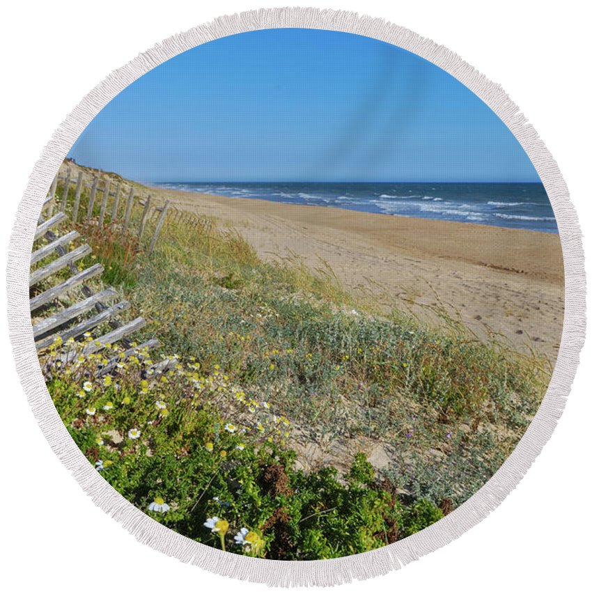 Sea Round Beach Towel featuring the photograph Dunes Wooden Fence by Angelo DeVal