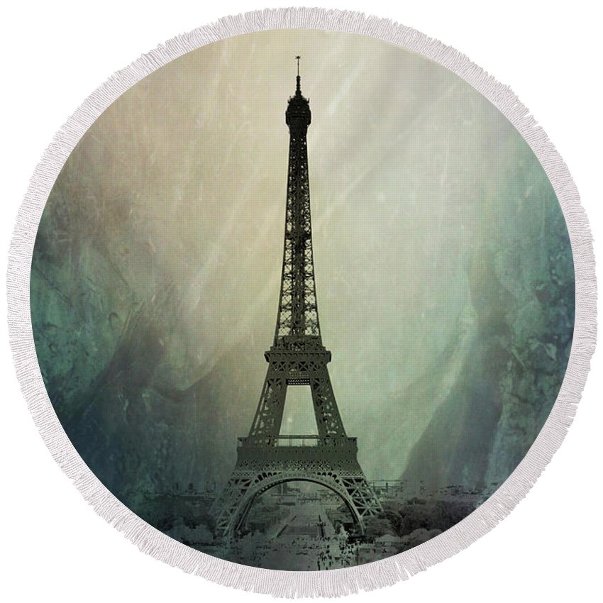 France Round Beach Towel featuring the photograph Eiffel Tower by Pete Hunt