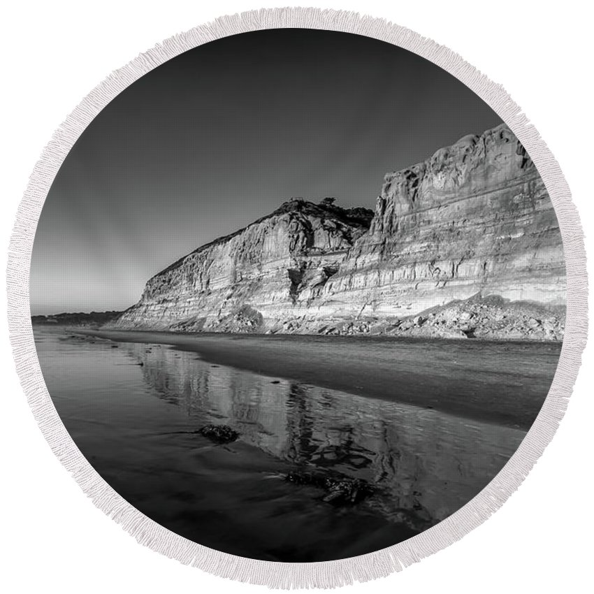 Beach Round Beach Towel featuring the photograph Majestic by Peter Tellone