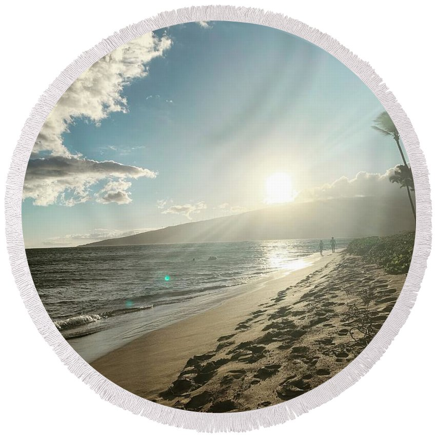 Hawaii Round Beach Towel featuring the photograph Maui by Kristin Rogers