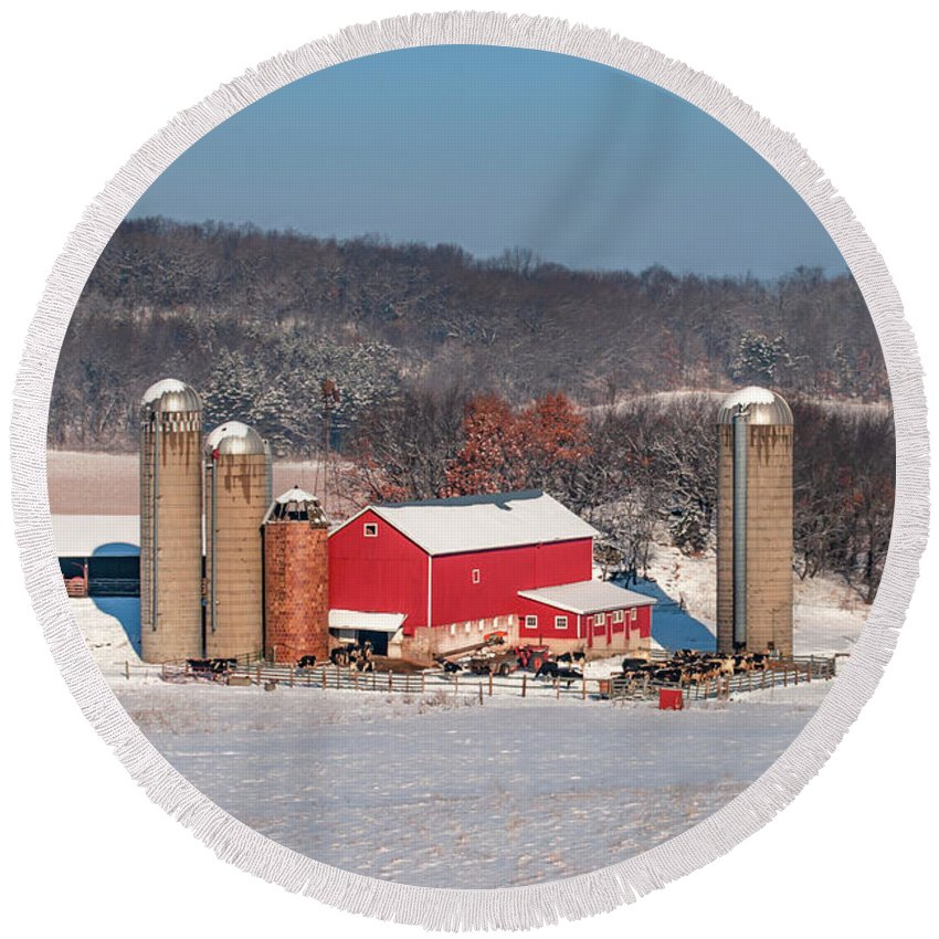 Dairy Farm Round Beach Towel featuring the photograph Midwestern Dairy by Todd Klassy
