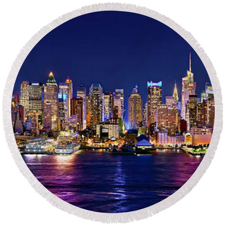 New York City Skyline At Night Round Beach Towel featuring the photograph New York City Nyc Midtown Manhattan At Night by Jon Holiday