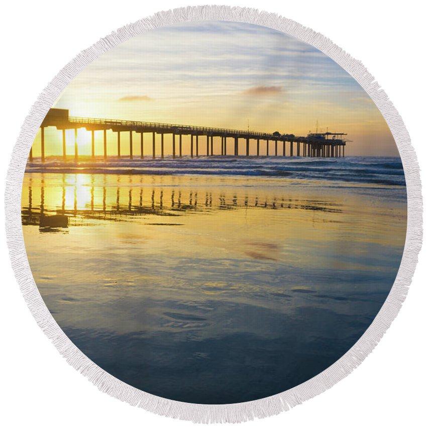 Surf Round Beach Towel featuring the photograph Scripps Pier Golden Hour 1 by Richard A Brown