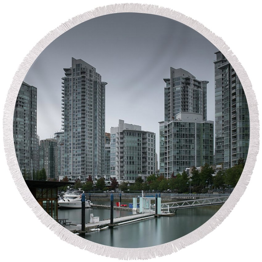 Vancouver Marinas Round Beach Towel featuring the photograph The Quayside Marina - Yaletown Apartments Vancouver by Juan Contreras