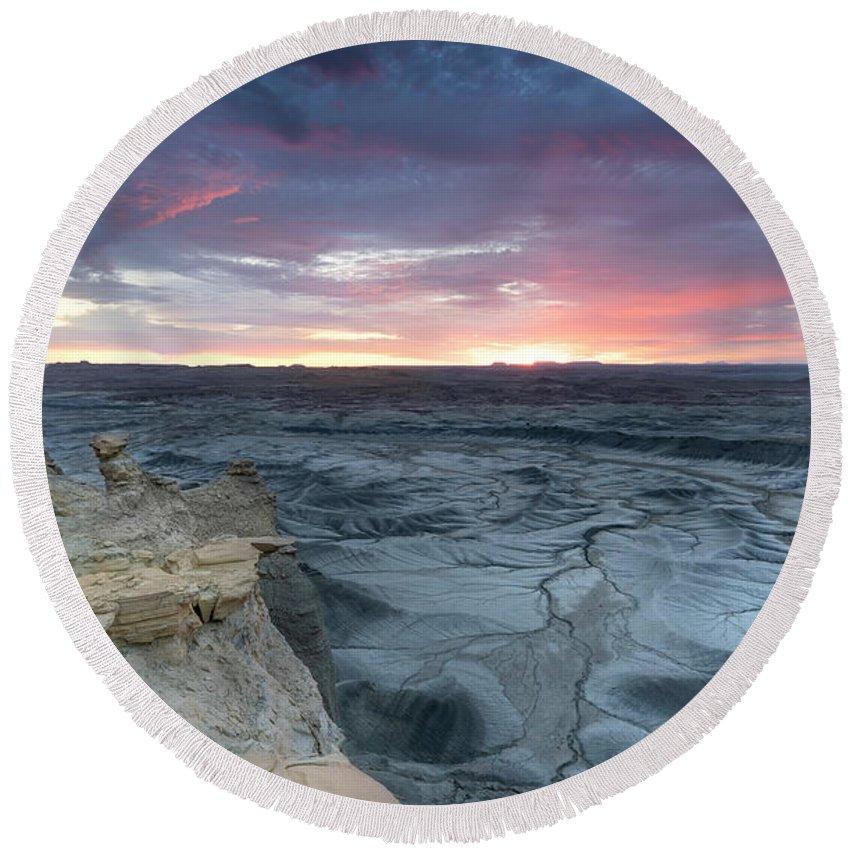 Utah Round Beach Towel featuring the photograph Utah Desert Sunrise by Larry Marshall