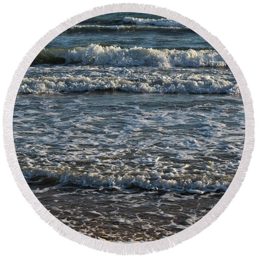 Sea Round Beach Towel featuring the photograph Waves Quietly Approaching by Angelo DeVal