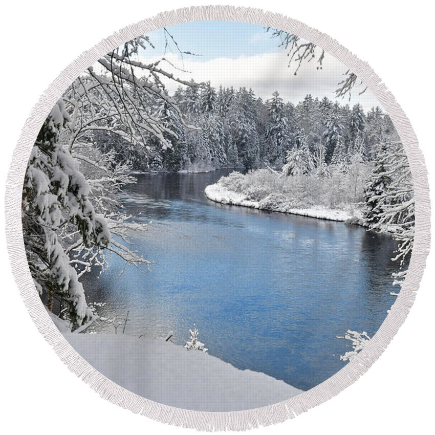 Water Round Beach Towel featuring the photograph Wintery Ausable River 1053 by Michael Peychich