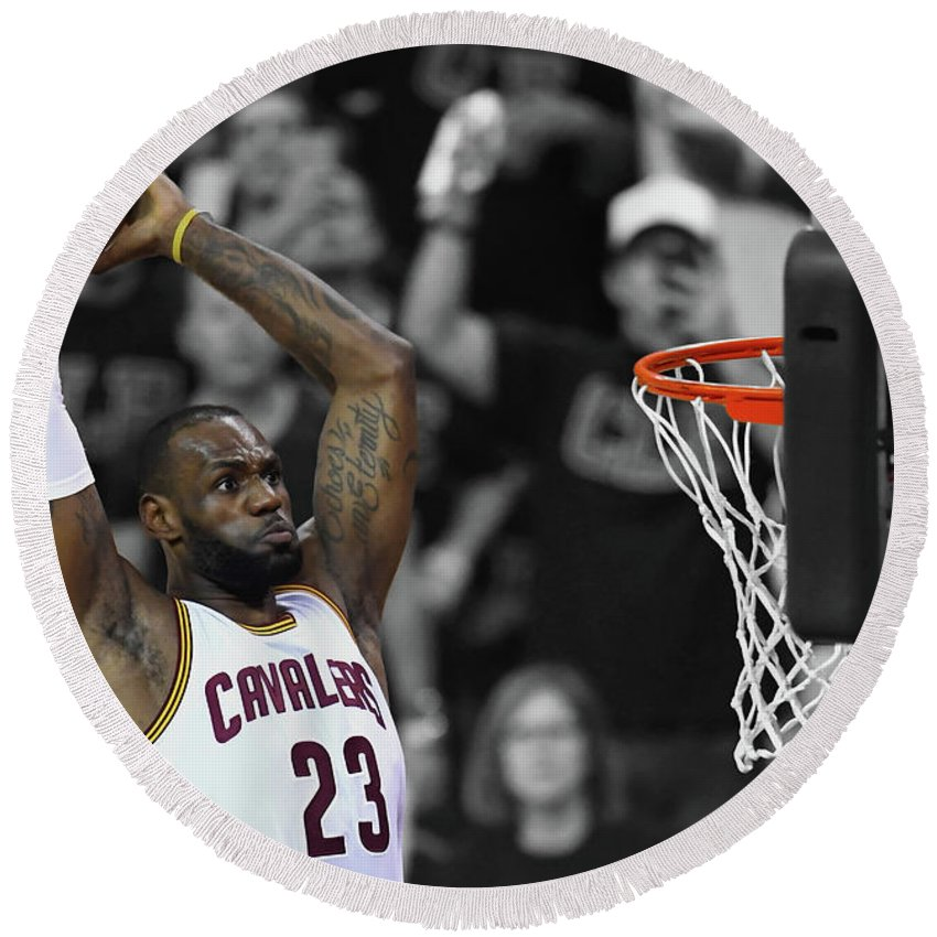 Lebron James Round Beach Towel featuring the mixed media Lebron James In Flight 23 by Brian Reaves