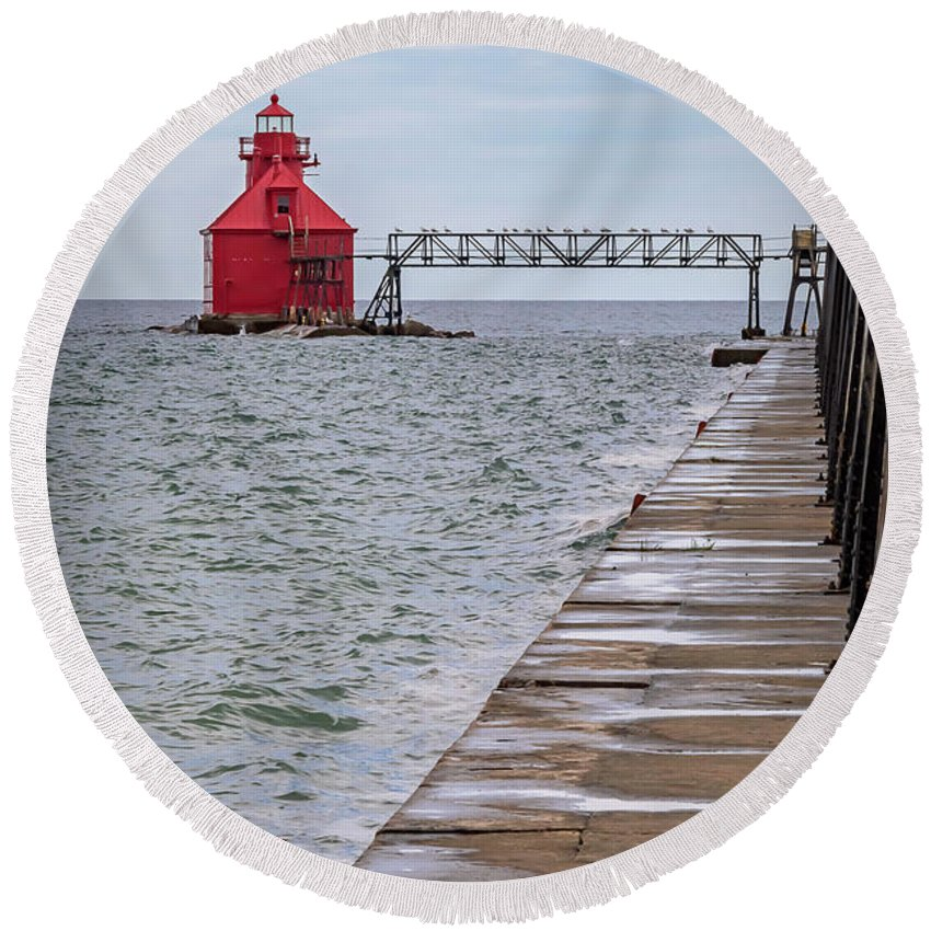 Lighthouse Round Beach Towel featuring the photograph 20-0607-0038 by Anthony Roma