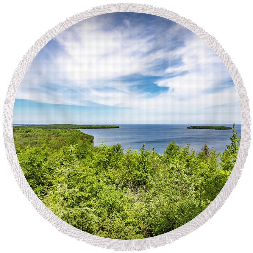Landscapes Round Beach Towel featuring the photograph 20-0608-0093 by Anthony Roma