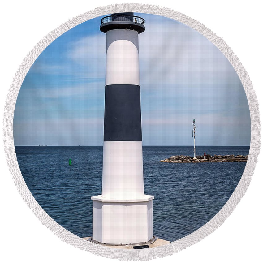 Lighthouse Round Beach Towel featuring the photograph 20-0608-0102 by Anthony Roma